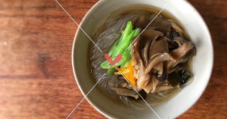 訂戶獨享:【海味鮮菇小菜】自製昆布醬油入菜,夏季搭配冰涼夏多內白葡萄酒