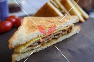 katsu-sandwich-with-sauce