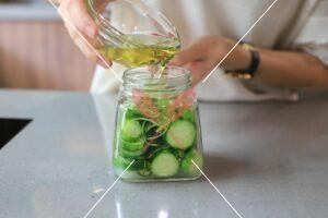 cucumber-pickles-with-lemon
