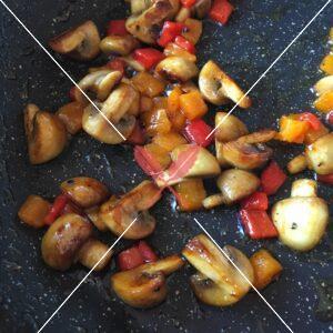 burgundy-pairing-mushroom-and-sweet-peppers